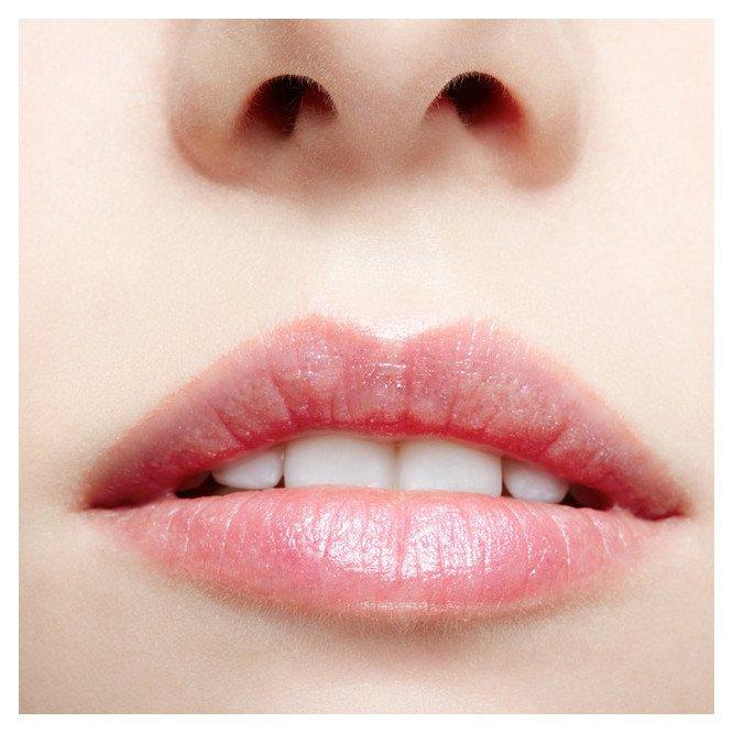 Facial Waxing Lip - Islington skin clinic