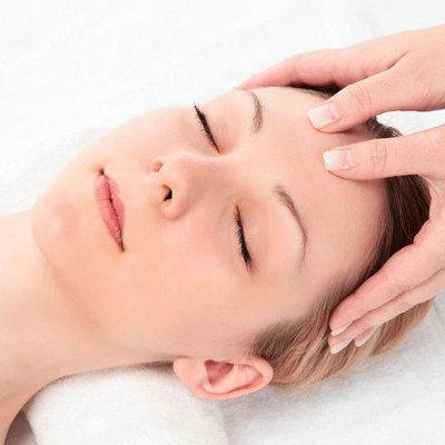 Indian head Massage 15 Mins